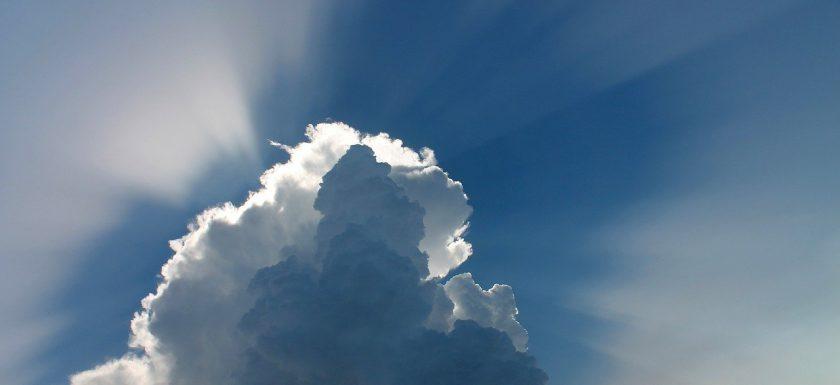 cloud 97453 1280 840x385 - Fordele ved at have ovenlysvinduer i dit hjem