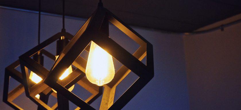 mandy choi  8OVj9DQ3 w unsplash 1 840x385 - Få trådløst lys i din bolig
