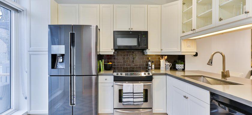 sidekix media VaGdhK kI1c unsplash 1 840x385 - Placerer du madvarerne i dit køleskab på den rigtige måde?
