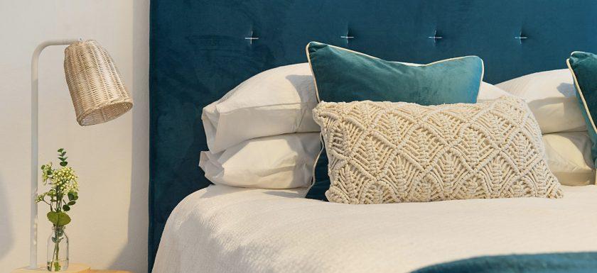 greg rivers YeP1MUZDSsE unsplash 840x385 - Er du på udkig efter en ny seng?