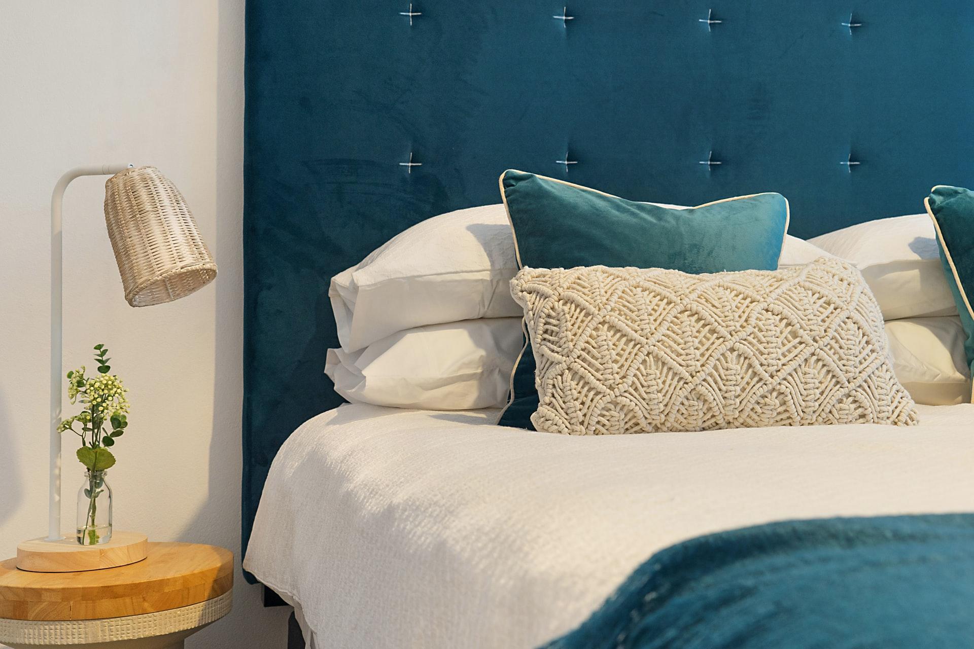 greg rivers YeP1MUZDSsE unsplash - Er du på udkig efter en ny seng?